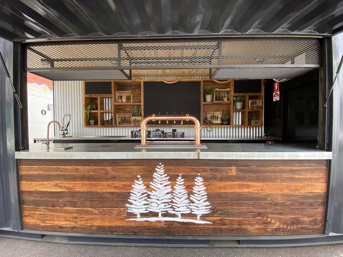 4-Pines-20ft-Shipping-Container-Bar-Conversion-5