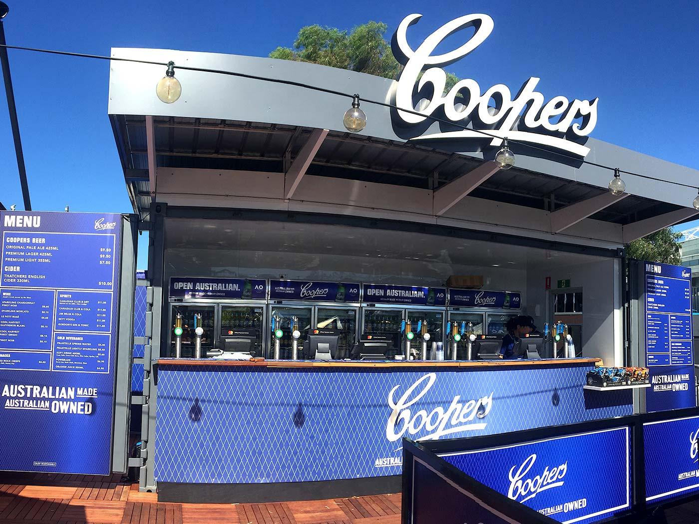 Coopers-20ft-Shipping-Container-Bar-2