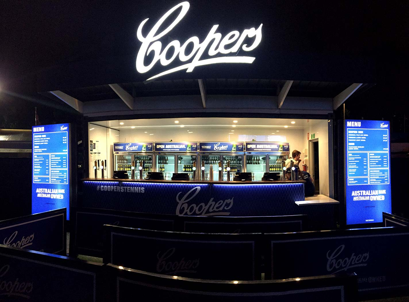 Coopers-20ft-Shipping-Container-Bar-4