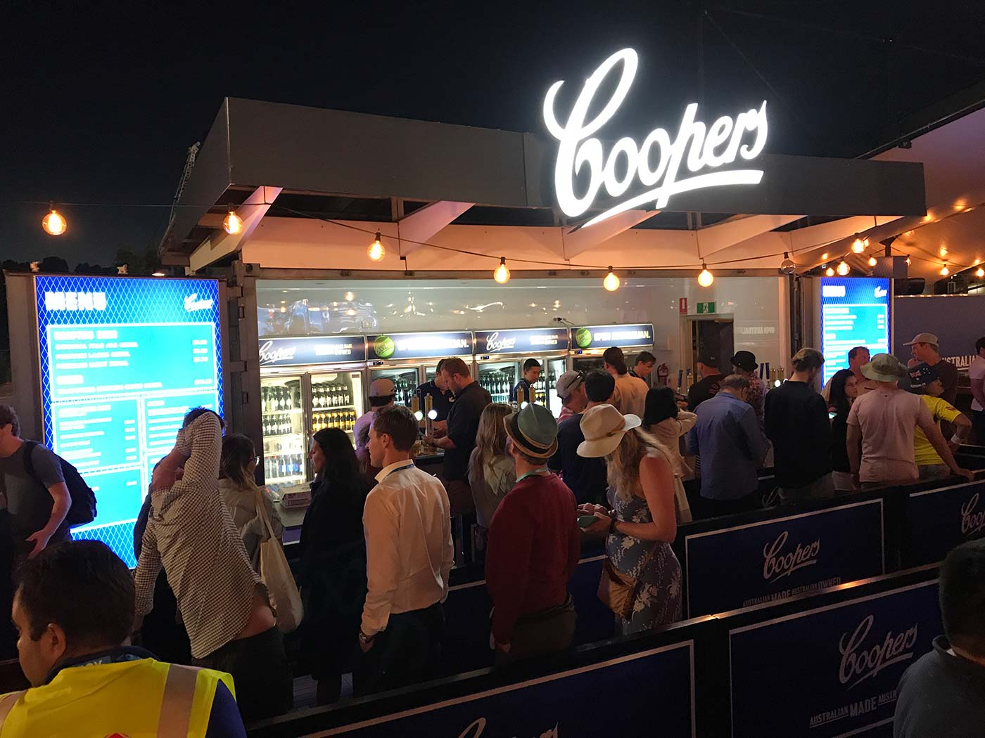 Coopers-20ft-Shipping-Container-Bar-8
