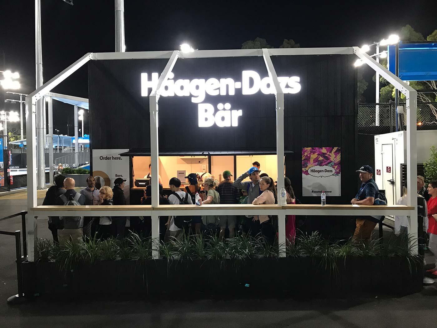 Haagen-Dazs-Shipping-Contaner-Kiosk-3
