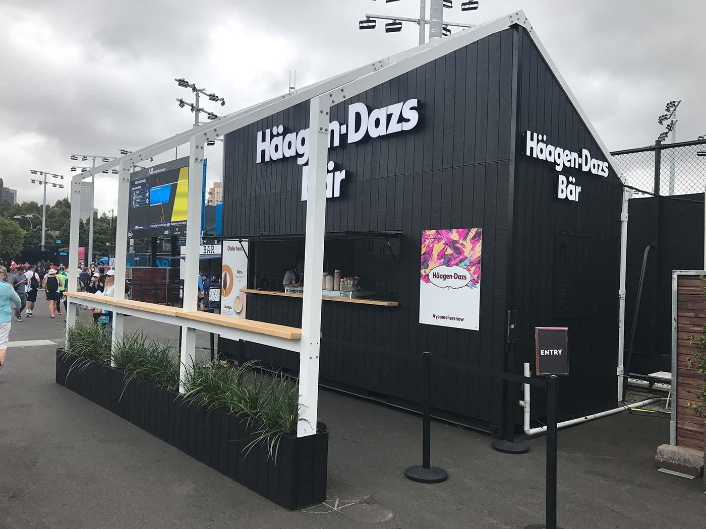 Haagen-Dazs-Shipping-Contaner-Kiosk-4