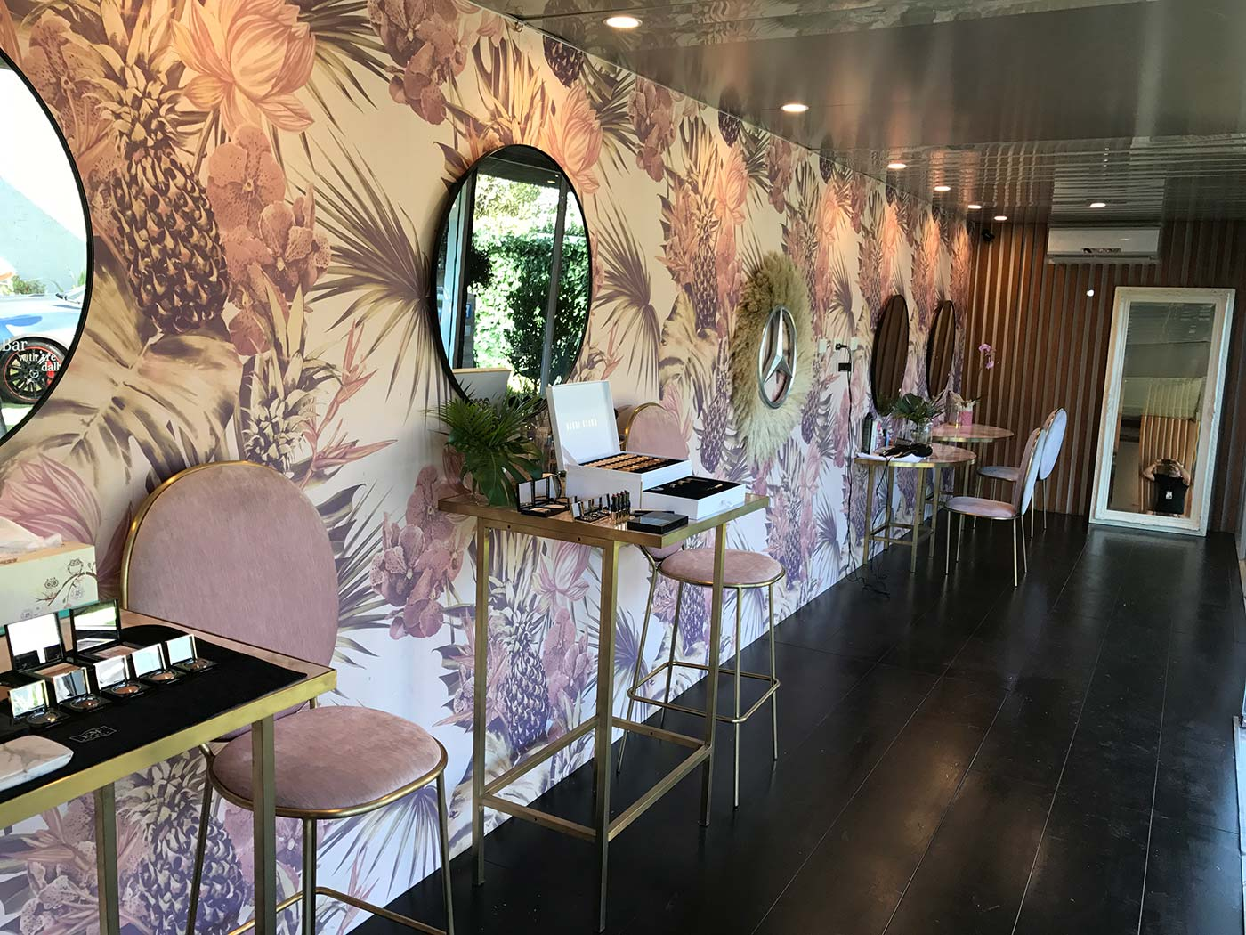 Mercedes-Benz-Shipping-Container-Beauty-Bar-5