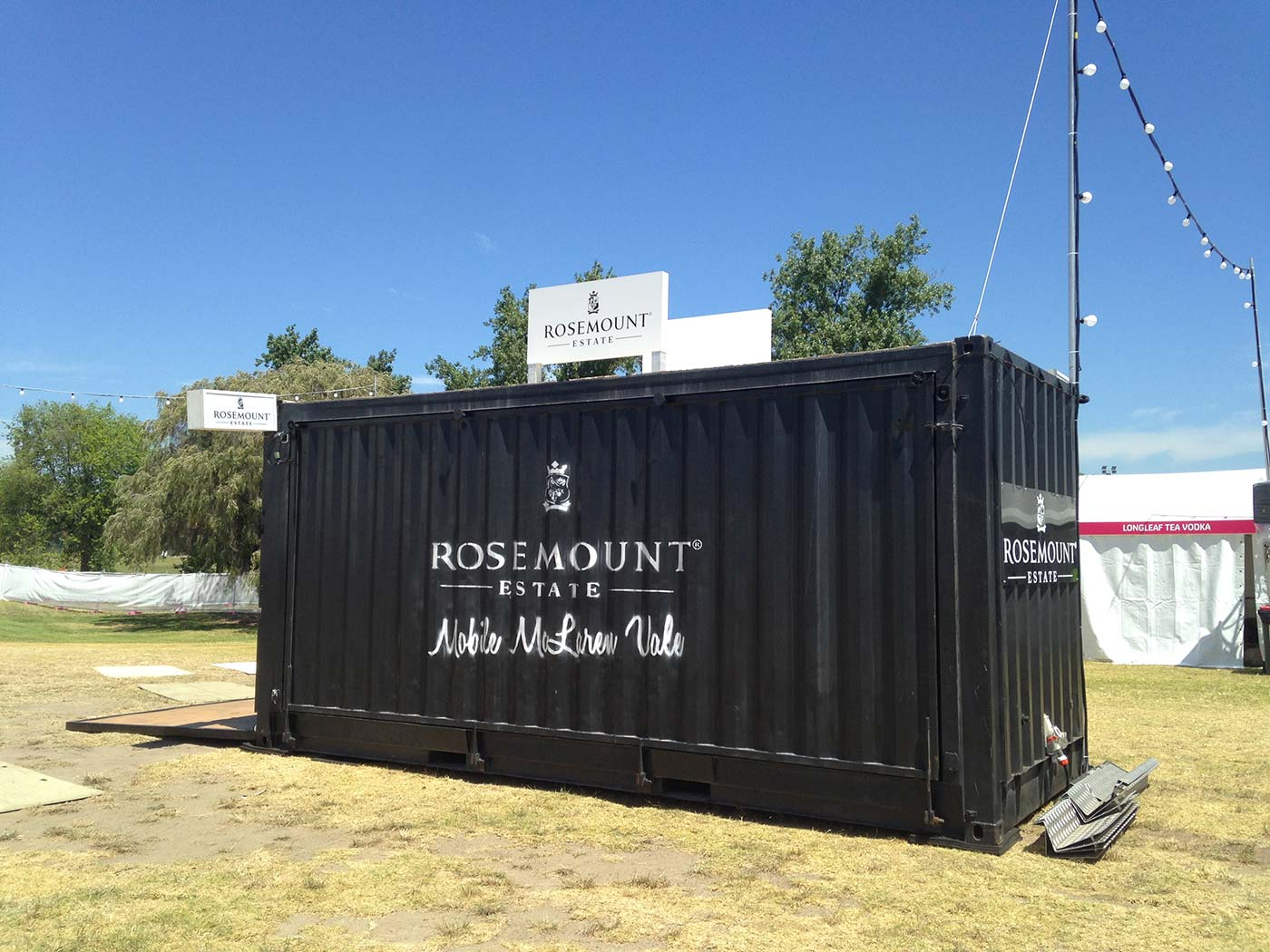 Rosemount-Converted-Shipping-Container-Bar-5
