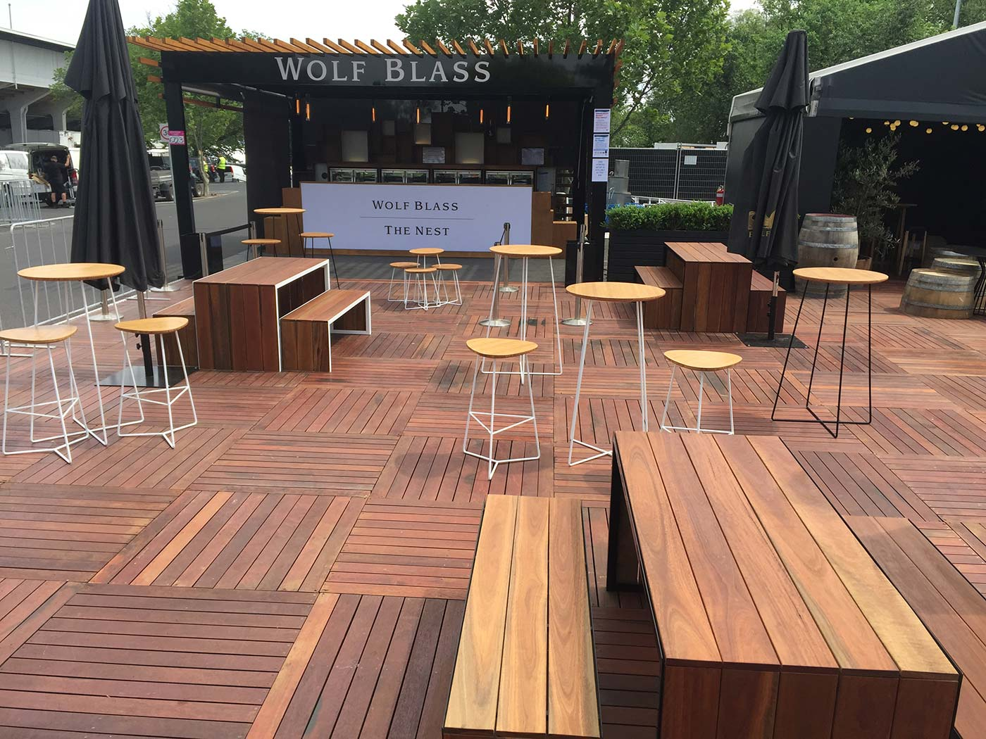 Wolf-Blass-The-Nest-Shipping-Container-Bar-8